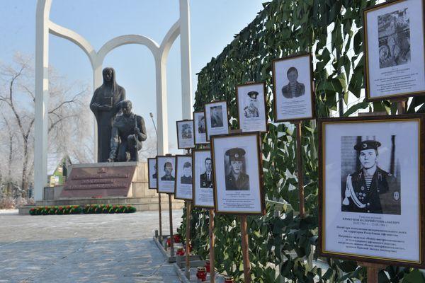 Митинг, посвященный Дню памяти воинов-земляков, погибших в локальных войнах и военных конфликтах