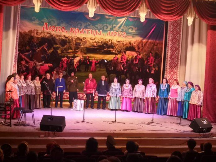 лауреат I степени – народный хор «Абаканская песня»