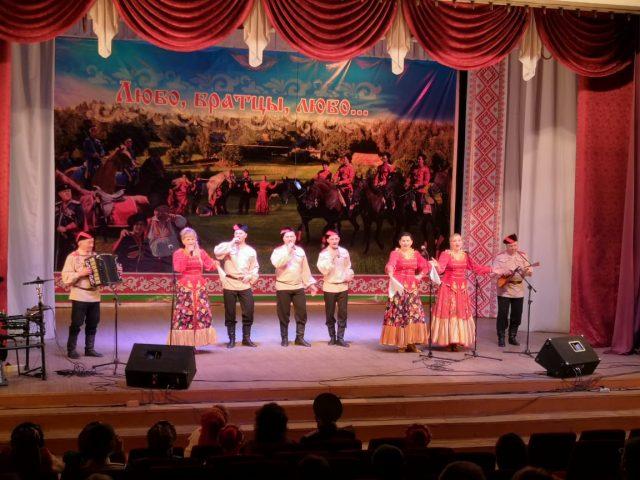лауреат I степени - народный ансамбль русской песни «Весна»